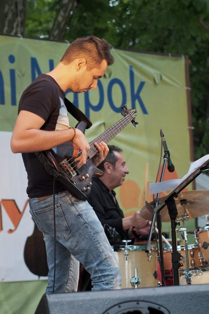 jazzb2013015