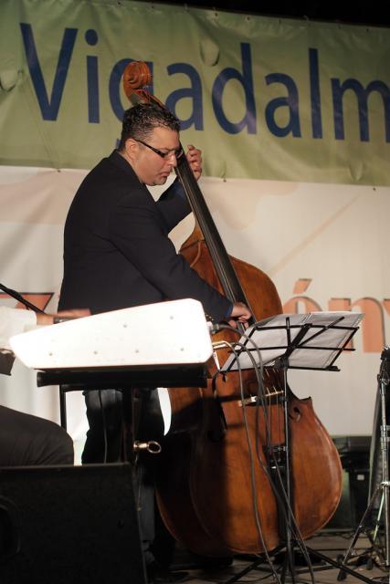 jazzb2013060