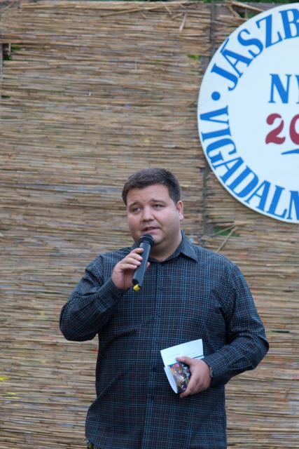 kamarasz2010001