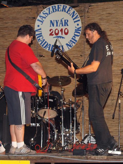 kamarasz2010104