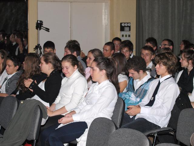 lvg56unn2011026