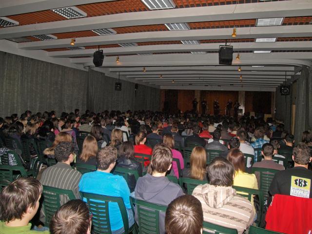 sondorgo2010016