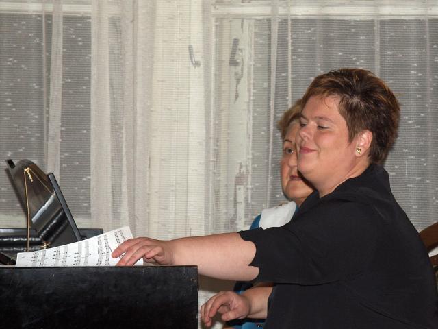 zeneivn2010013